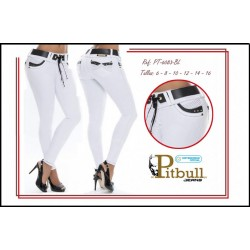 Jeans colombianos blancos Levanta Cola marca Pittbull